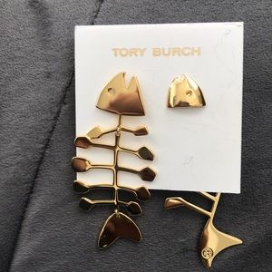 Tory Burch fish bone earring